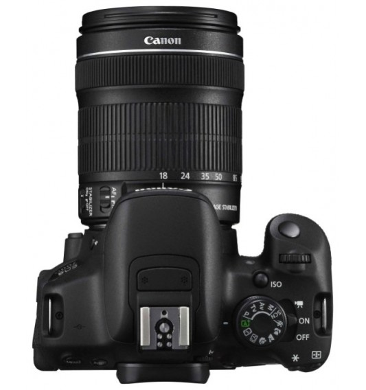 Canon EOS 700D Kit 18-135mm f/3.5-5.6 IS STM